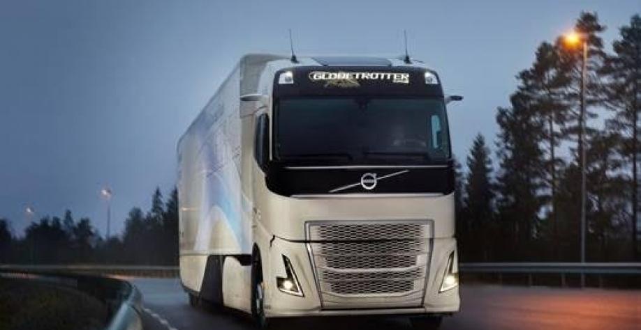 volvo 100 eletrico YRWvCB 918x474 - Caminhões elétricos da Volvo em 2021